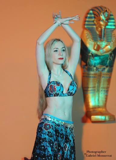 Irene Ruata als Solotänzerin beim internationalen Festival in Barcelona.